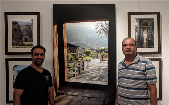 Atul Date and Amarendra Ghayal at Milind Sathe's photography show