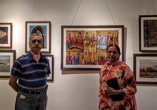 Col.(Retd.) Satish Kumar Bhatia and Smt. Bhatia at Indiaart Gallery