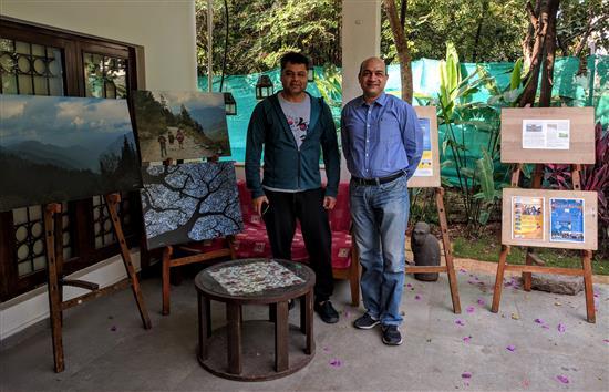 (L to R) Dr. Kiran Kharat, Col. Narinder Kumar at Indiaart Gallery