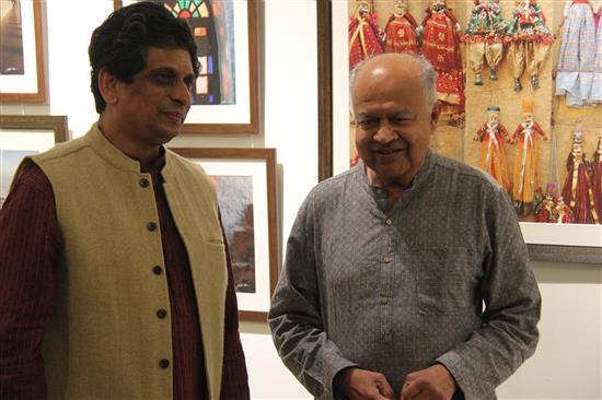 Dr. Somak Raychaudhury with Dr. Jayant Narlikar at Indiaart Gallery