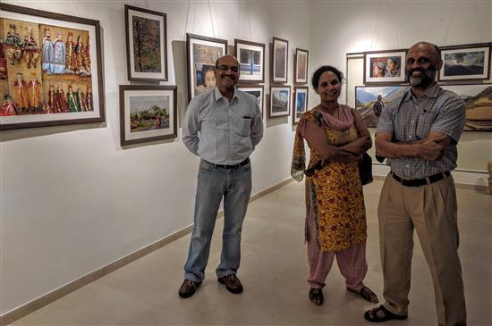 (L to R) Narendra Deshmukh, Madhavi and Ajay Phatak at Indiaart Gallery