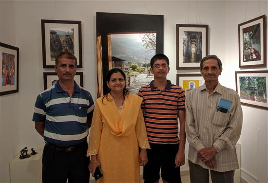 (L to R) Manish, Manjusha, Archit and Pramod Sathe at Milind Sathe's photography show at Indiaart Gallery