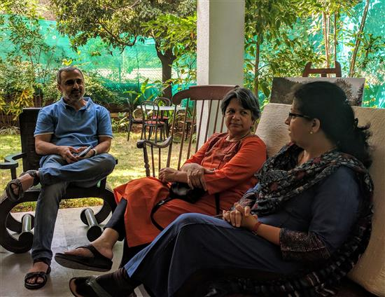 (L to R) Nitant Mate, Dr. Aarti Palsule, Dr. Prachee Sathe at Indiaart Gallery