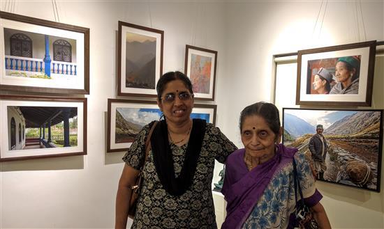 Pratima Tungatkar and Usha Gore at Milind Sathe's photography show at Indiaart Gallery