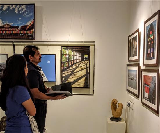 Satyashray Hasabnis at Milind Sathe's photography show at Indiaart Gallery