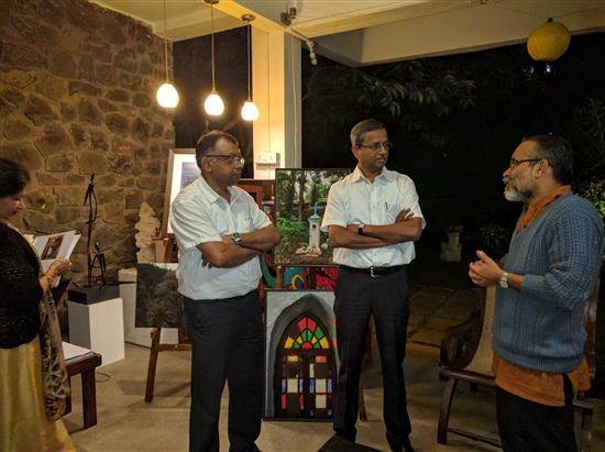 Shri. Vivek Ponkshe of Jnana Prabodhini discusses Gyan-Setu initiatives with Shreeniwas and Pradeep Shirsat