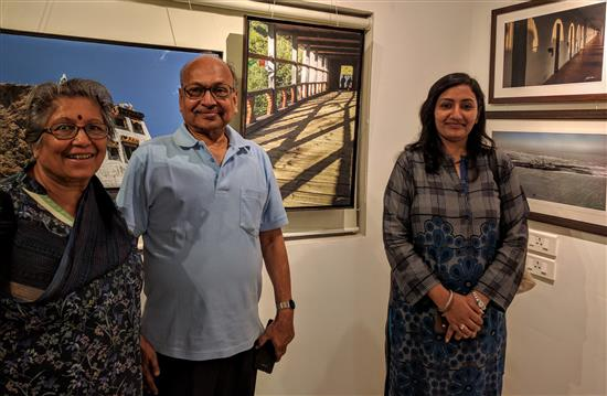 (L to R) Smt. Lath, Shri. Bimal Kumar Lath, Shilpa Lath at Milind Sathe's photography show at Indiaart Gallery