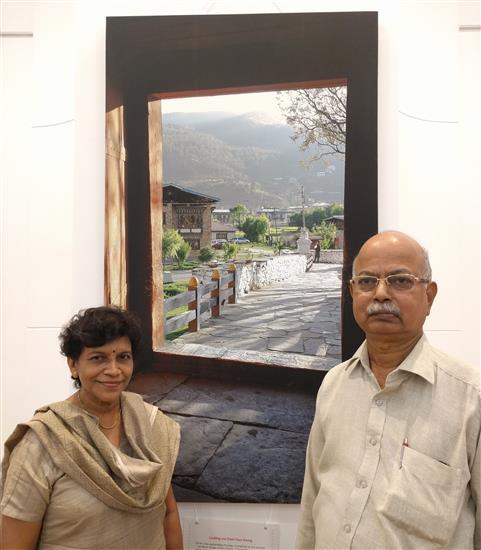 Artist Yashwant Shirwadkar with Mrs. Yamini Shirwadkar at Milind Sathe's solo photography show at Nehru Centre, Worli, Mumbai (August 2016)
