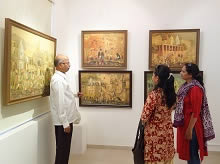 Guests at Indiaart Gallery for the show Banaras by Yashwant Shirwadkar