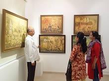 Guests at Indiaart Gallery for the show Banaras by Yashwant Shirwadkar