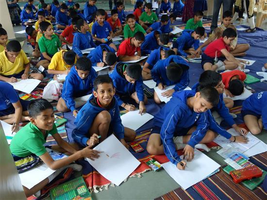 Children painting at Khula Aasmaan workshop, New English Medium School, Pune - 3