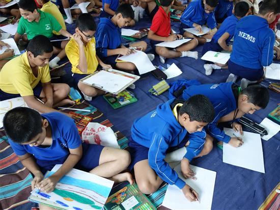 Children painting at Khula Aasmaan workshop, New English Medium School, Pune - 5