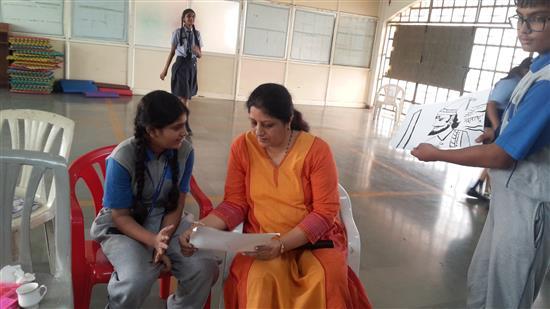 Chitra Vaidya conducted Khula Aasmaan workshop at Orion ICSE School, Mumbai - 4