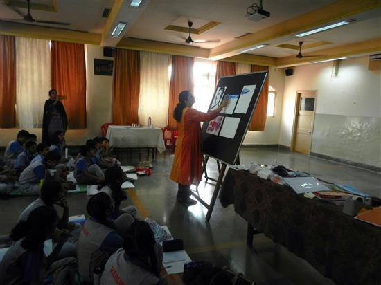 Chitra Vaidya conducted Khula Aasmaan workshop at Orion ICSE School, Mumbai - 1