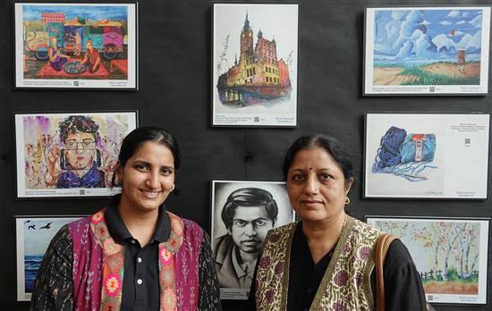 Neeraja Dashputre and Chitra Vaidya at Khula Aasmaan art exhibition at IISER Pune