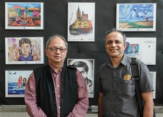 Milind Sathe with Suvrat Kher at Khula Aasmaan art exhibition at IISER Pune