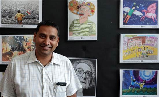 Harinath Chakrapani at Khula Aasmaan art exhibition at IISER