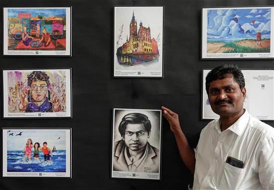 Ashok Rupaner at Khula Aasmaan art exhibition at IISER Pune