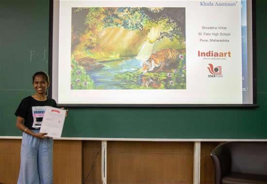 Shraddha Virkar with her certificate
