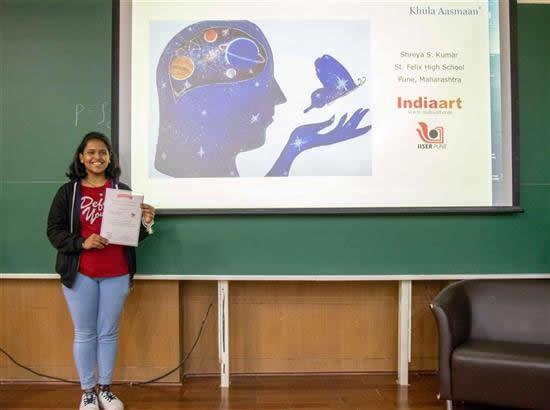 Shreya S. Kumar with her certificate