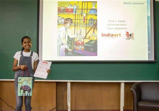 Shruti D. Kakade with her prize