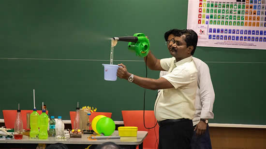Experiments at Science Workshop 9