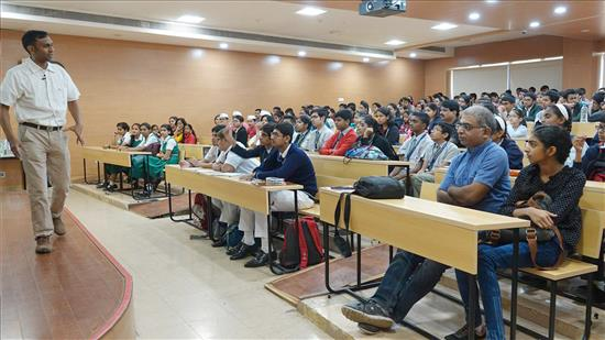 Story of Chemistry talk by Anirban Hazra 4
