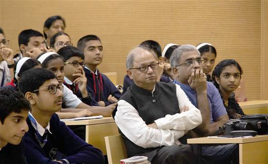 Milind Sathe attending science lecture - Story of Chemistry