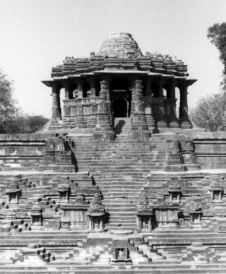 Sun Temple, Modhera - 10, Photo by Ar Y D Pitkar