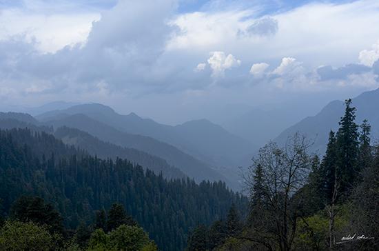 Mountains near Jalori Pass