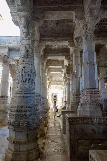 Chatting at Ranakpur Temple