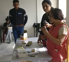 Art of Recycling, workshop by Gauri Ketkar - Part 9 (at Jaipur Art Summit 2017)