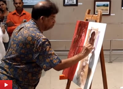 Painting demonstration by Suhas Bahulkar at Artfest organised by Indiaart Gallery